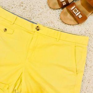 BANANA REPUBLIC yellow chino shorts